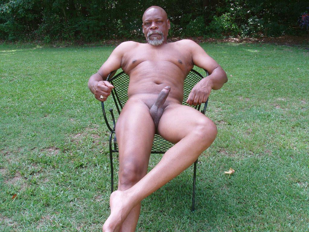 Mature Black Daddies - Page 7-6110