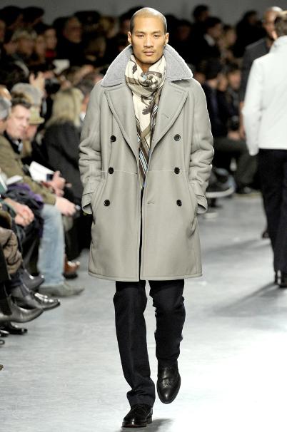 Paolo Roldan walking for Hermes Fall/Winter 2011 ...