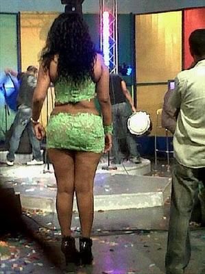 Chica dominicana se lo mama todo - 2 3