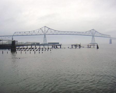 الجسور الجميلة من جميع انحاء العالم 48831-450x-a_19.jpg