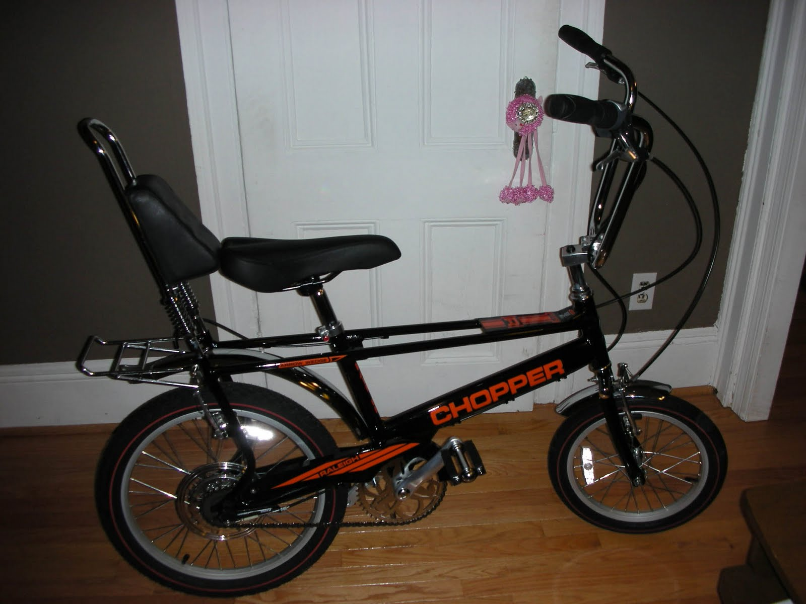 The Muscle Bike Blog: Raleigh Chopper reproduction 2004 w/ 3 speed