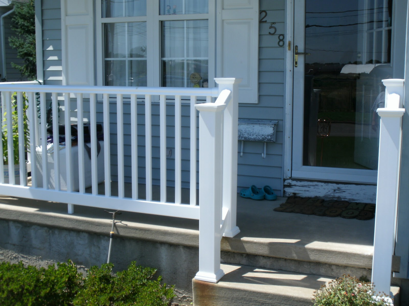 Home remodeling and improvements tips and how to 39 s for Exterior balcony railing design