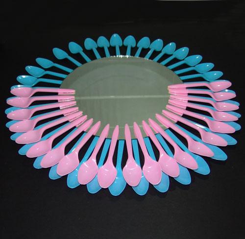 Renovar un espejo con cucharas somosdeco blog de decoraci n - Espejo de plastico ...