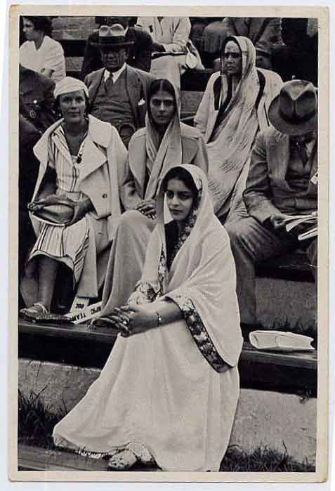 Indian Women in 1936 Nazi Germany Olympics -  Cigarette Card