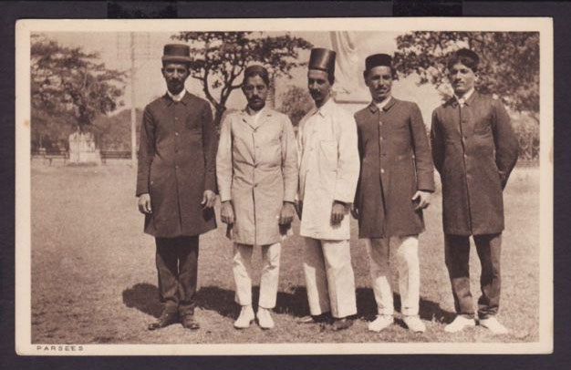 Group of Parsees - Old Post card - 1910s