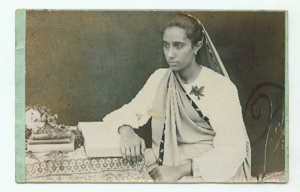 Vintge photograph of a Parsee Woman