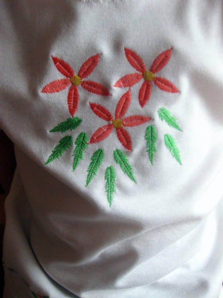 abf4bd629fd Roosade varrukatega pluus, suvekübar heegeldatud heegelnõelaga nr:2, muster  pärineb Kirju Kummuti