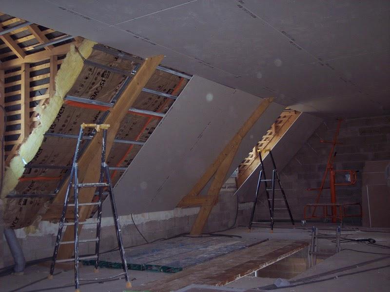 notre maison en autoconstruction placo de l 39 tage plafond rampant suite. Black Bedroom Furniture Sets. Home Design Ideas