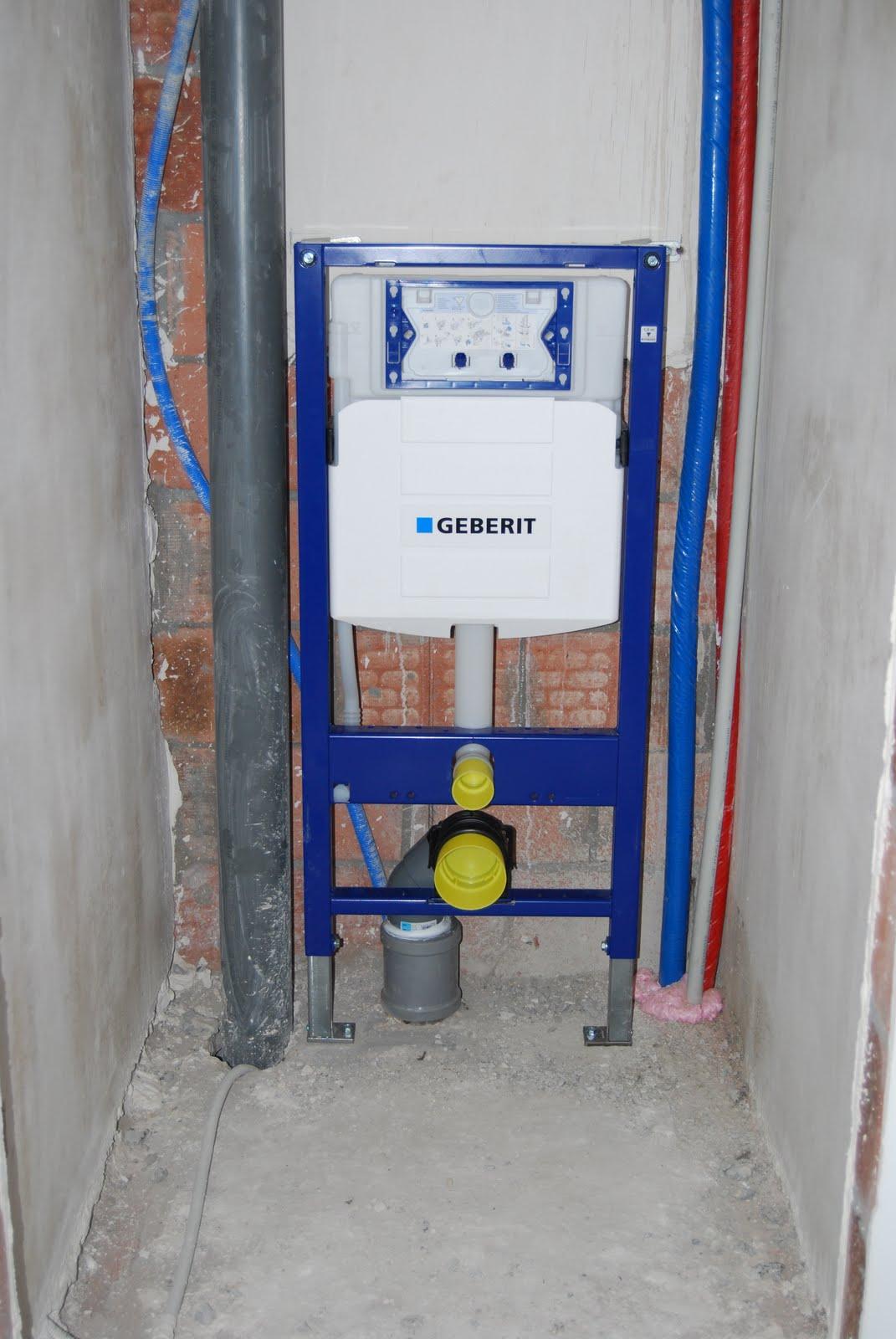 Annelies Og Wesley Building The Last toilet-4853