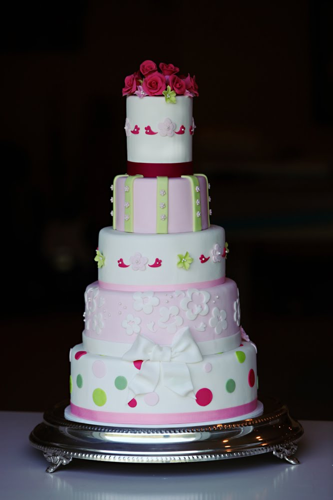 Maggie And Matthew S Wedding Cake In Cake Central Magazine The
