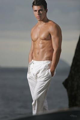 Muscle Black Male Model Rafael Serrano | Celebrity News