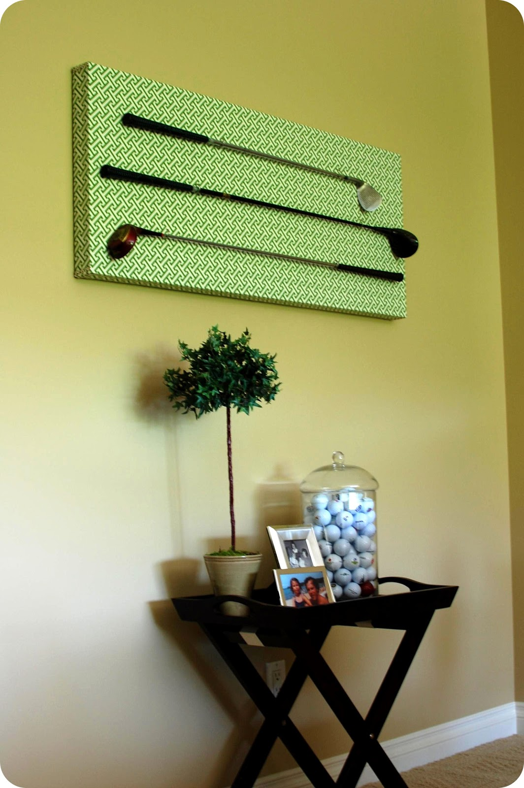 Remodelaholic Diy Golf Club Art Display Project 33 Shades Of Green