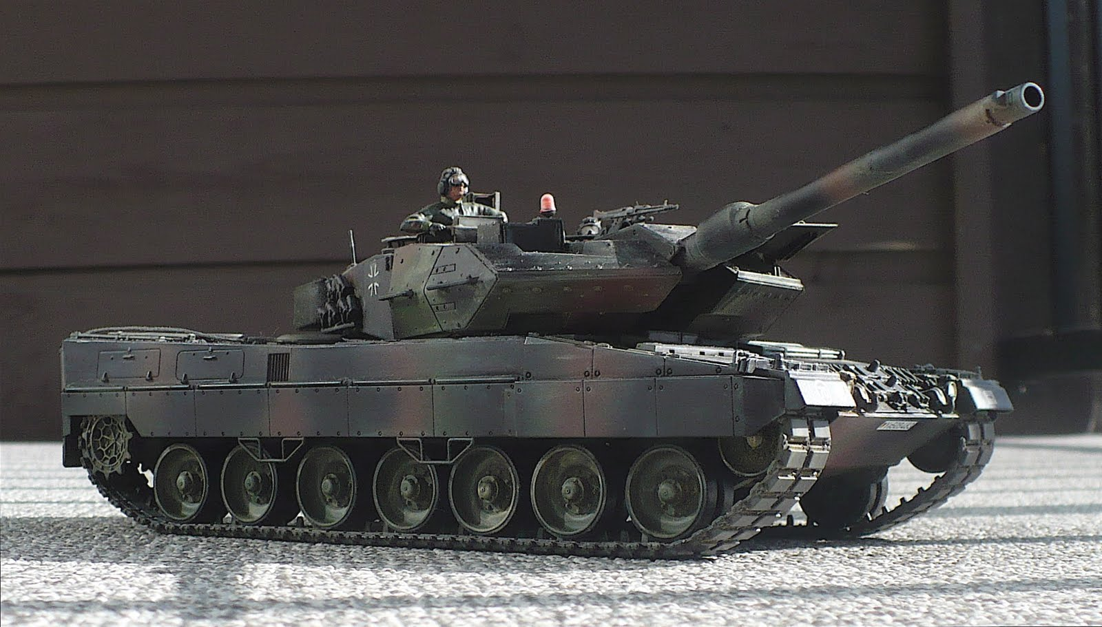 The Great Canadian Model Builders Web Page!: Leopard 2  The Great Canad...