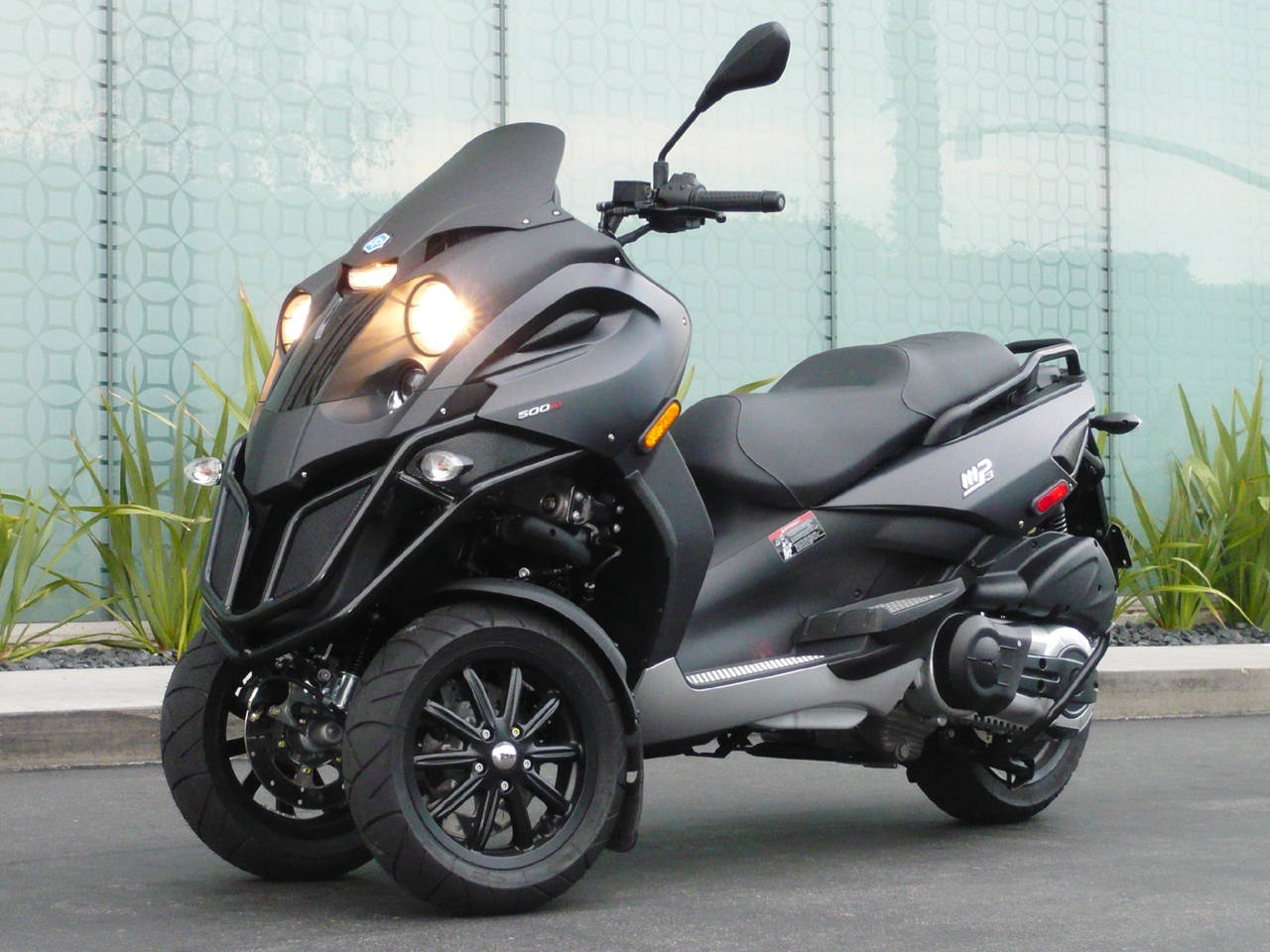 piaggio mp3 from vespa | cars and motorcycles