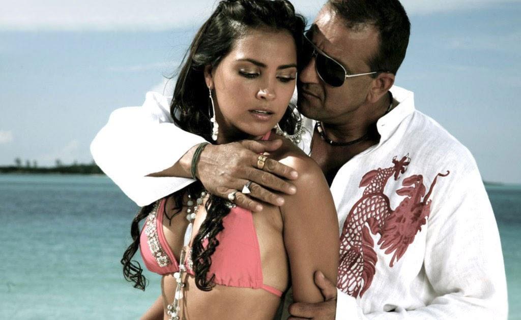 Sexy Scenes Of Lara Dutta 106