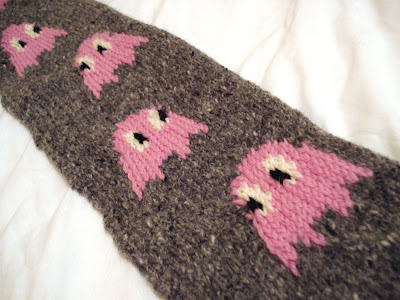 pinky the ghostie scarf
