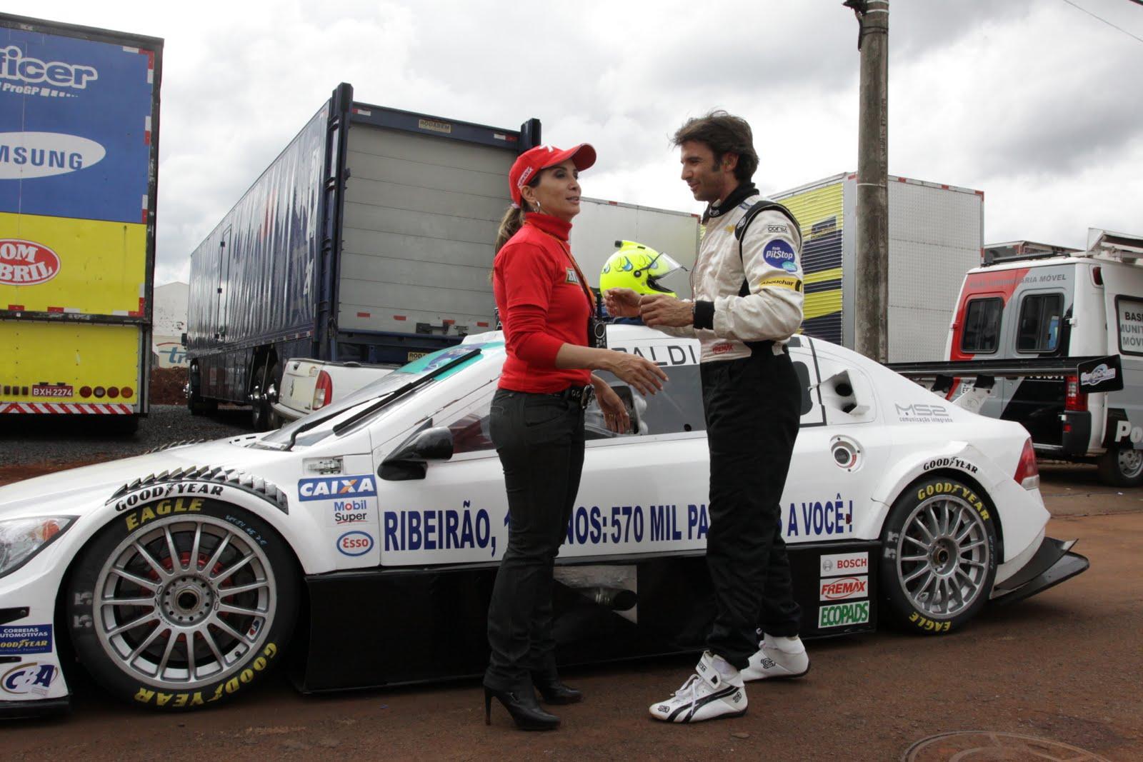 aaf756b4439 Prefeita de Ribeirão Preto visita ex-pilotos de F-1 na quinta etapa da Stock  Car