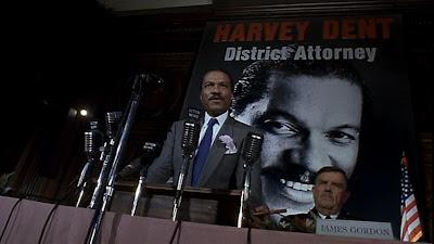http://2.bp.blogspot.com/_q28jtGYmqDg/TAK6UrqPG3I/AAAAAAAAFtU/3aUNy-_wOqU/s400/Batman-movie-Harvey-Dent-6.jpg