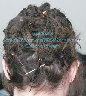 1001 coiffures tutoriel chignon fouilli sur cheveux court. Black Bedroom Furniture Sets. Home Design Ideas