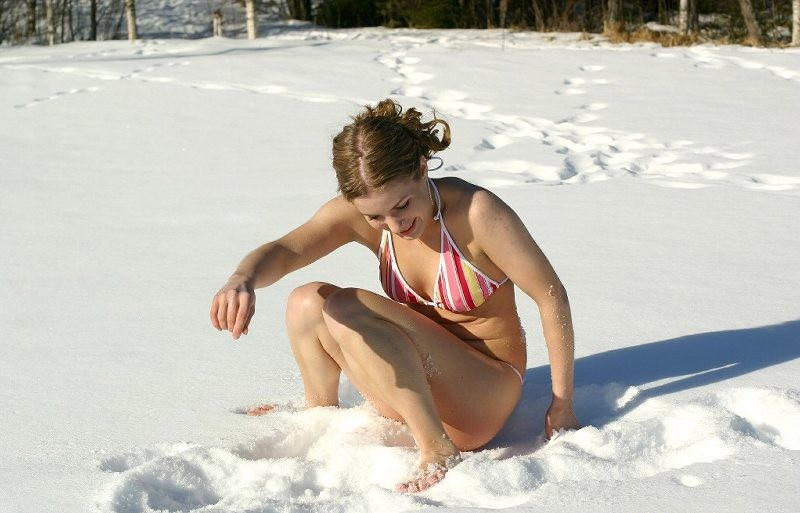 Teen Lesbians Fucking Outdoor in the Snow Free Porn 25 - xHamster