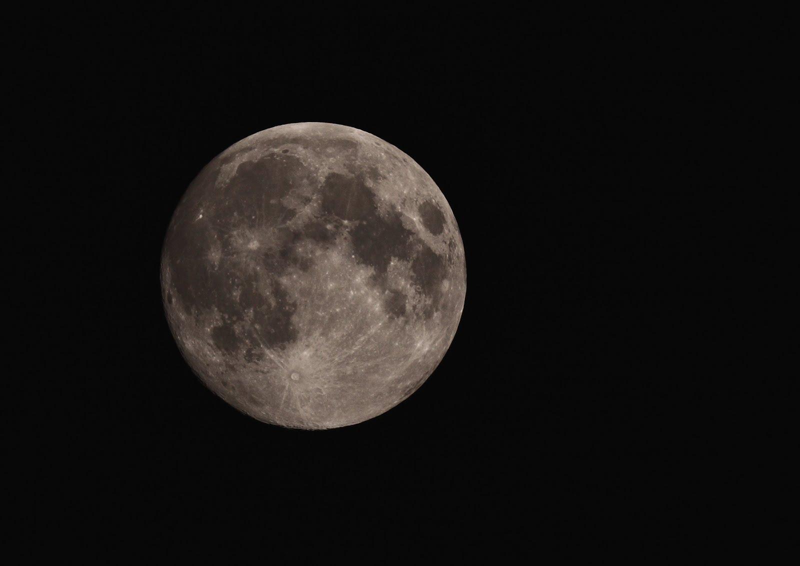 Astromick: The Moon tonight - 23rd August 2010