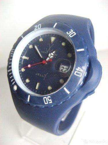 jam tangan toywatch jelly yang sangat keren dan trendy..jam unisex yang  lucu dan cocok banget buat para orang yang gaul di ibukota...hargana sangat  laahh ... 712137e764