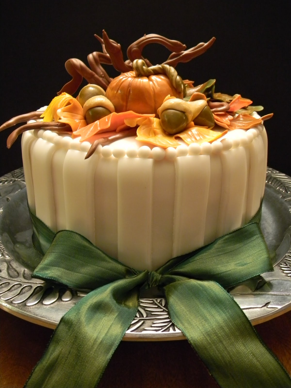 Couture Cakes by Angela: Welcome Fall!