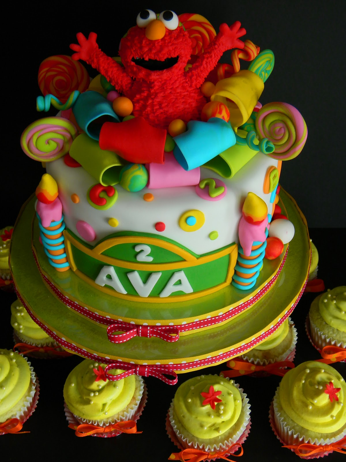 Couture Cakes By Angela Elmo Suprise