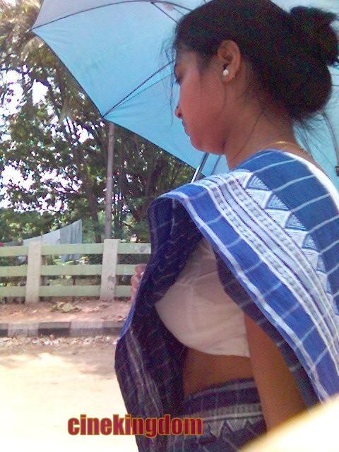 kerala aunty bathing