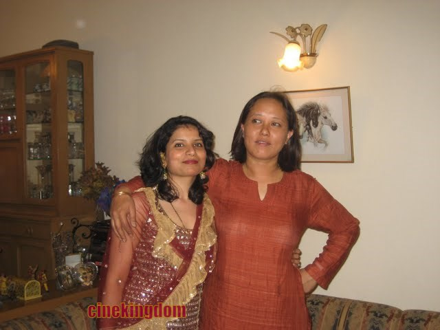 Sexy Nri Aunties Hot Pictures