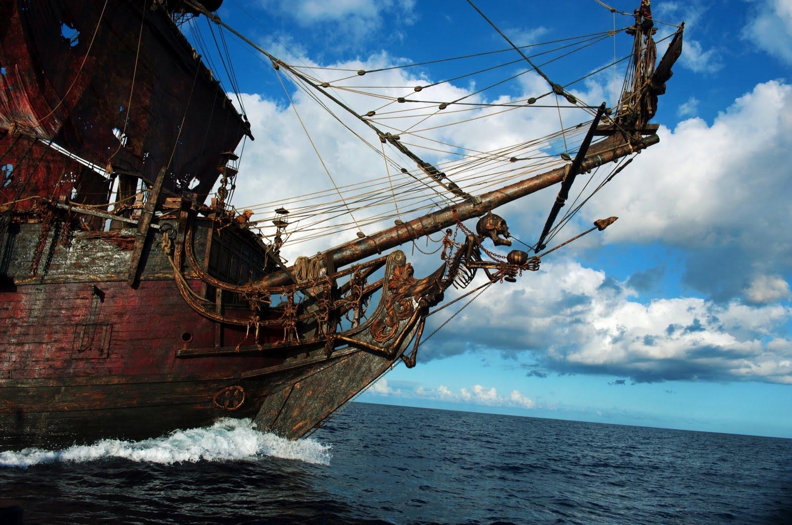 Pirates: Pirates Of The Caribbean 4 Barbossa And Blackbeard