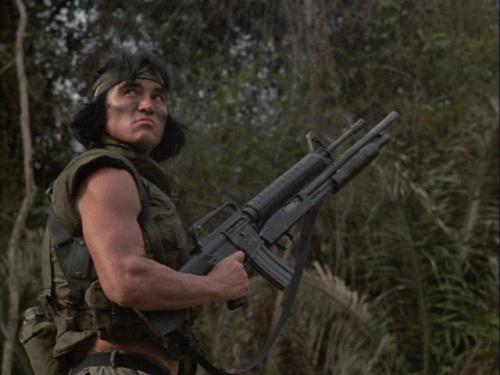 Por qué no iba a poder llevar un personaje de Savage Worlds una escopeta unida a su fusil de asalto