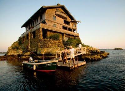 Clingstone island home