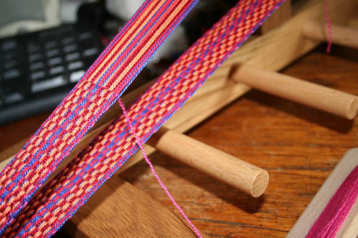 Sue Knits And Spins Purple Yarn And Inkle Loom