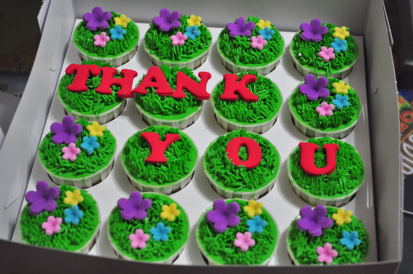 Thank You Cupcakes Cake Ideas And Designs