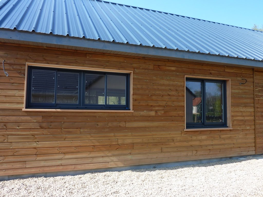 notre maison en bois luant menuiseries ral 7016. Black Bedroom Furniture Sets. Home Design Ideas