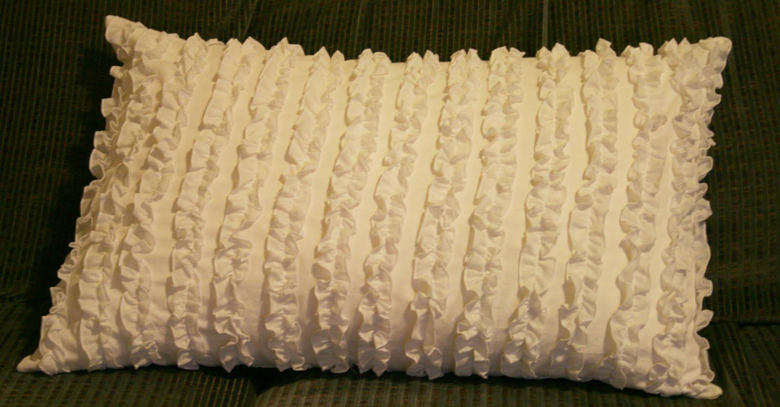 I Create It: Ruffle Pillow Tutorial