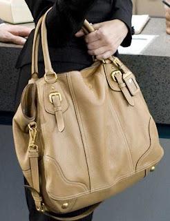 e1b106423ace spain prada tote handbag addiction a1ec1 7a13f