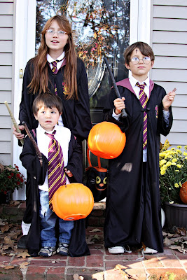 kids dressed as harry potter for halloween