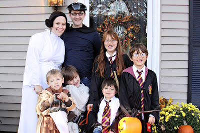 kids dressed as harry potter for halloween, star wars family costumes