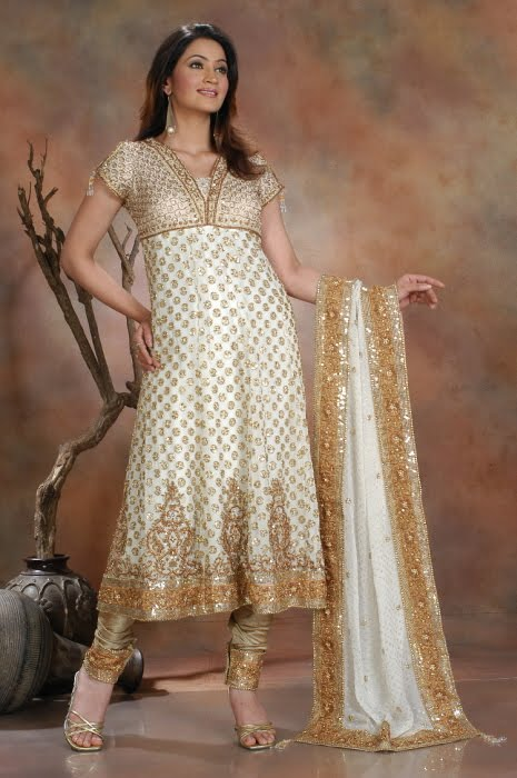Ladies Lifestyle: Designer suits for girls