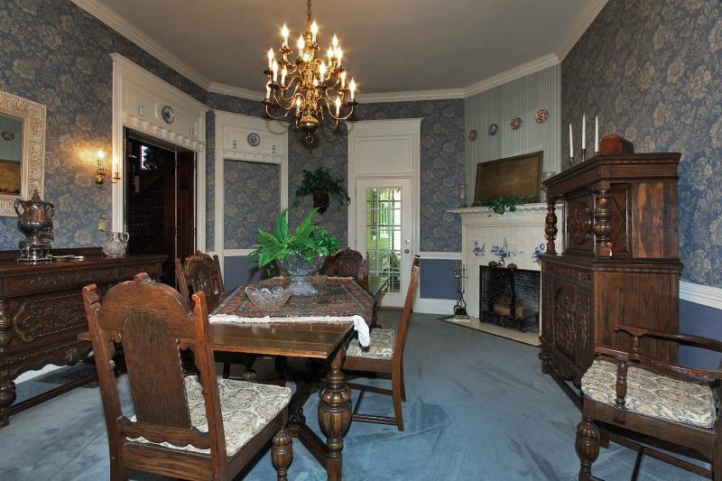 South Barrington Dining Room Project: The Hapgood Project: 1890's Brick Manor Home In Morristown