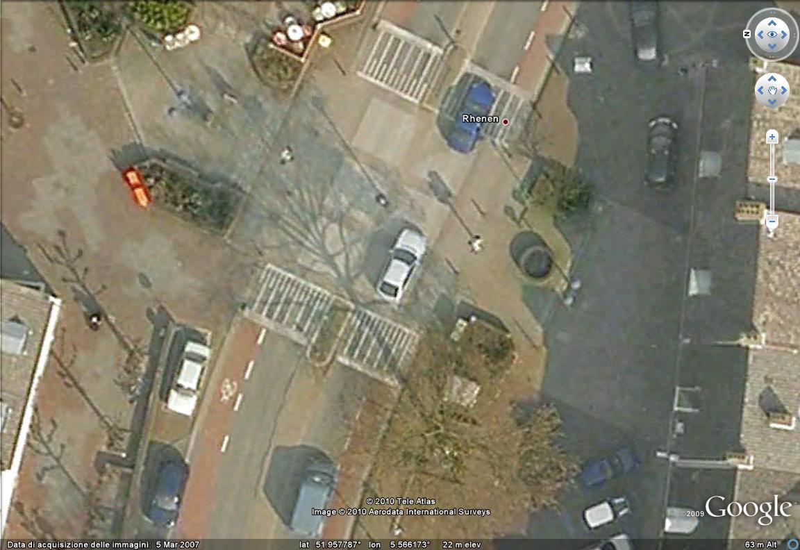 google maps satellite italia