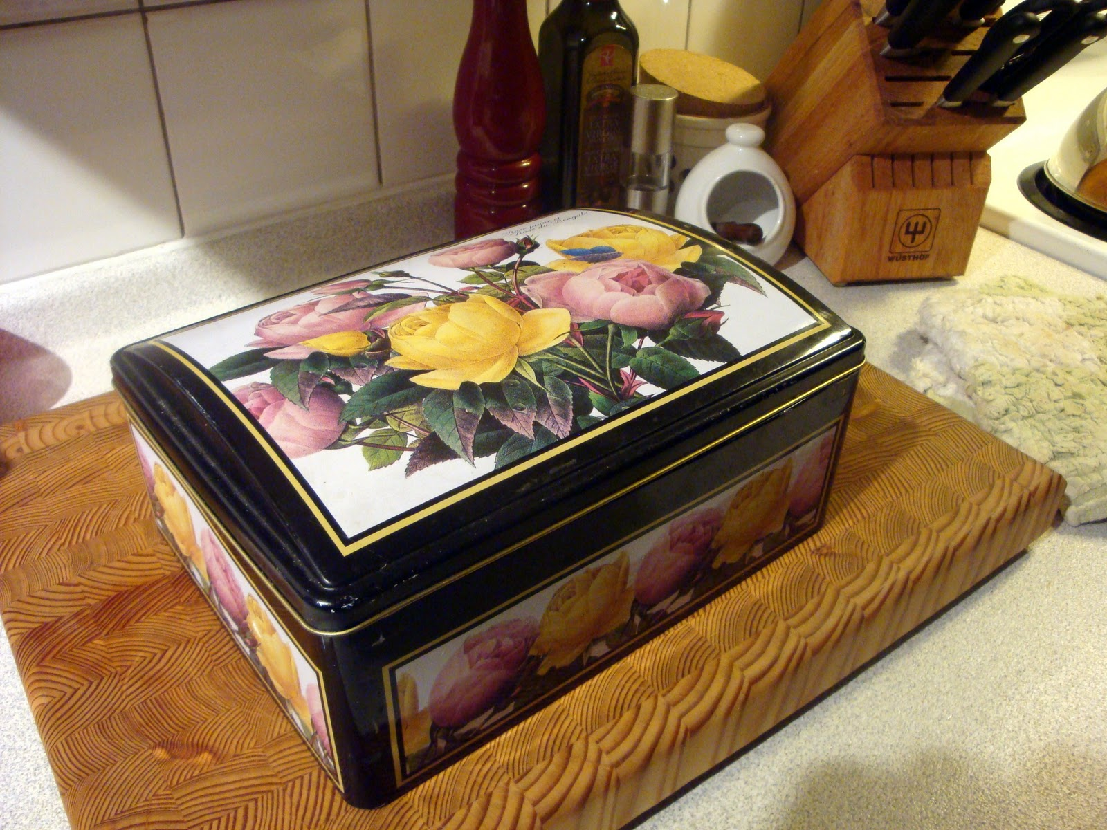 the original big ring pandora s cookie box contest pandora s box is an artifact in greek mythology taken from the myth of pandora s creation when pandora opened the box the entire contents of the jar were