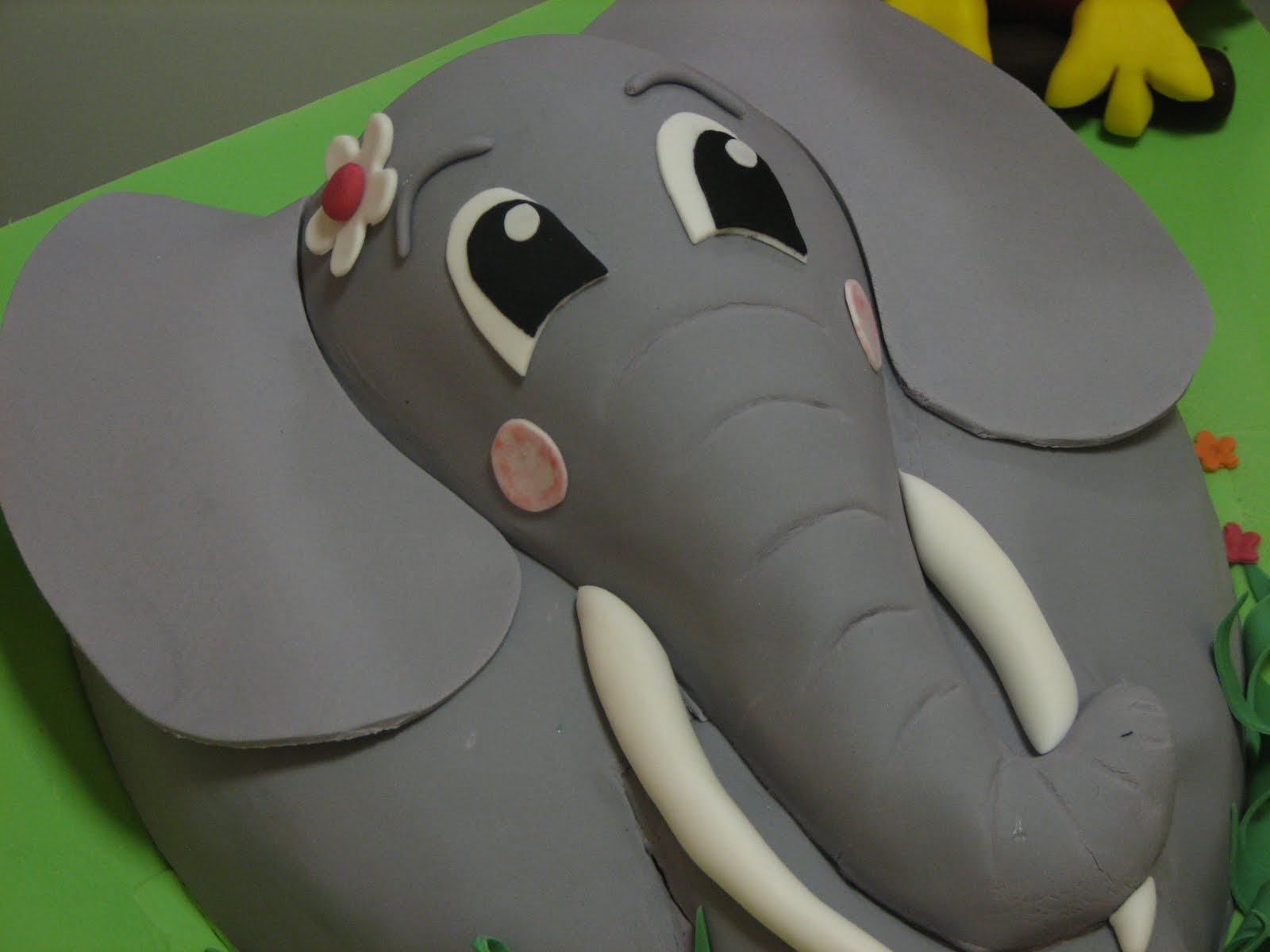 Sugar Creation Elephant Cake