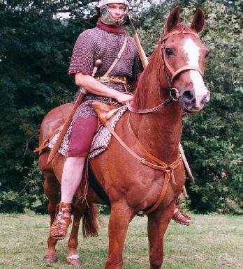 http://2.bp.blogspot.com/_r4ZbjF6R-gA/S1kJY8J3wOI/AAAAAAAAAAM/l8yQ3obIguw/s400/Roman_cavalry_lg.jpg