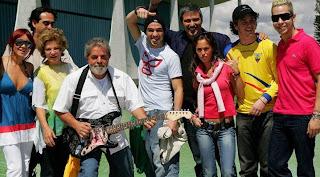 758dc861ba Já que estamos falando de políticos que nos orgulham... Que tal o  presidente Lula dando uma de guitarrista  (Imagem  G1)