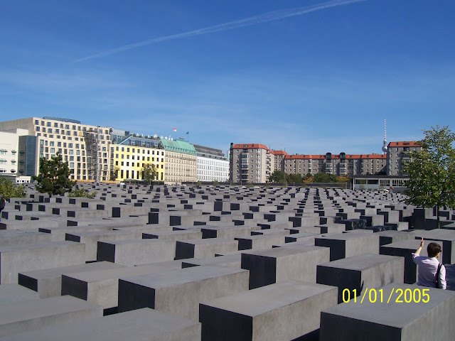 A Photo tour to the Capital city of Germany.: Posted by Vikas sharma on PHOTO JOURNEY @ www.travellingcamera.com : Holocaust Memorial.: Memorial to the Murdered Jews of Europe. In 1938, Nazi attacked Jewish establishments across Germany, burning 200 synagogues.