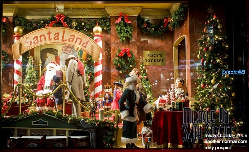 DECK THE HOLIDAY39S BEAUTIFUL HOLIDAY WINDOW DISPLAYS