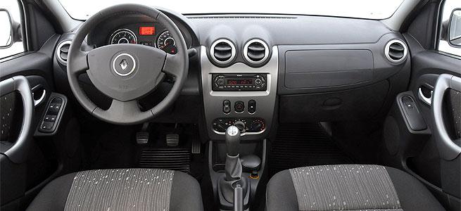 mundo sobre rodas: Renault Logan 1.6: enfim, a mudança